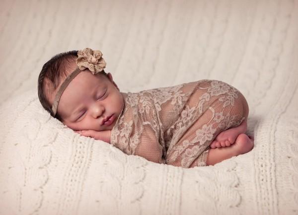 Gorgeous newborn portrait by Trudi Scrumptious Photography
