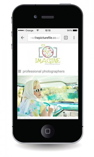 logo on mobile friendly photographers website